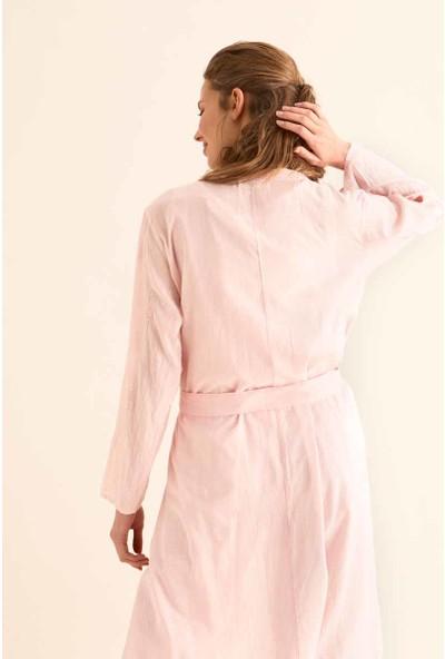 Roman Kadın İşlemeli Pembe Kimono