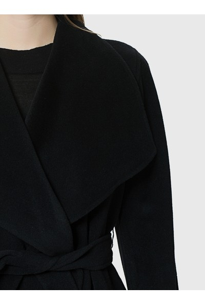 Roman Kadın Kuşaklı Siyah Kaban