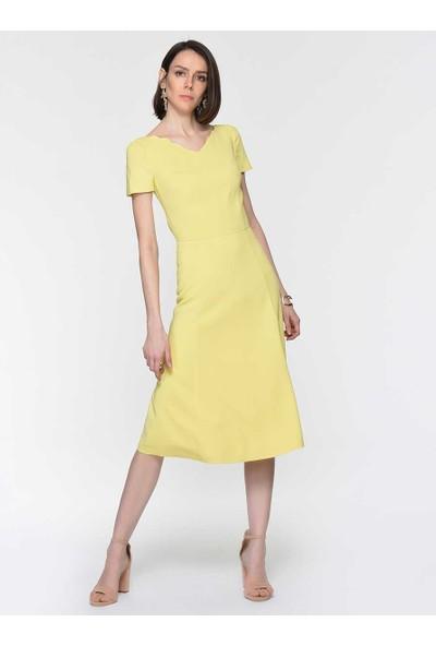 Roman Kadın Yaka Detaylı Sarı Elbise