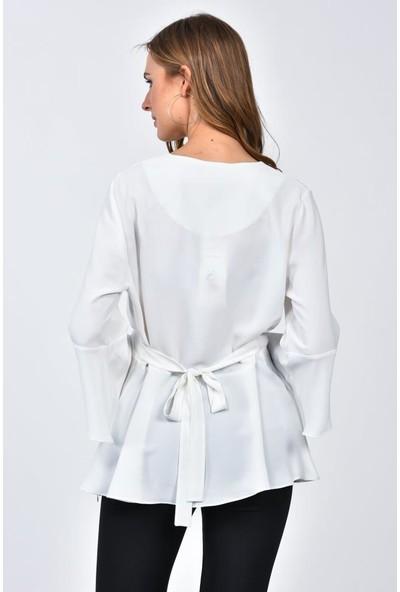 Modkofoni Uzun Yarasa Kol V Yaka Çiçek Aksesuarlı Beyaz Bluz