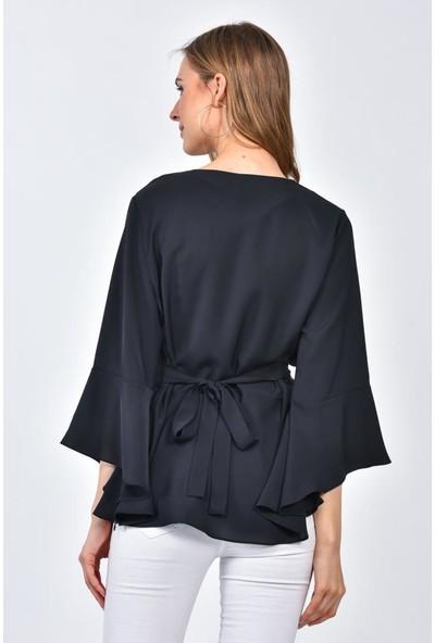 Modkofoni Uzun Yarasa Kol V Yaka Çiçek Aksesuarlı Siyah Bluz