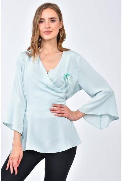 Modkofoni Uzun Yarasa Kol V Yaka Çiçek Aksesuarlı Mint Bluz