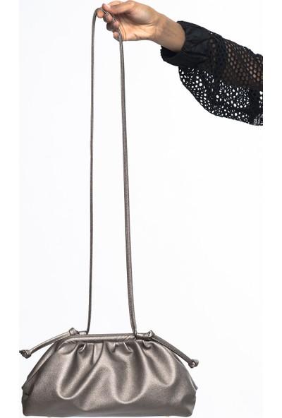 Matthew Cox Kadın Çapraz Çanta Soft Platin T720