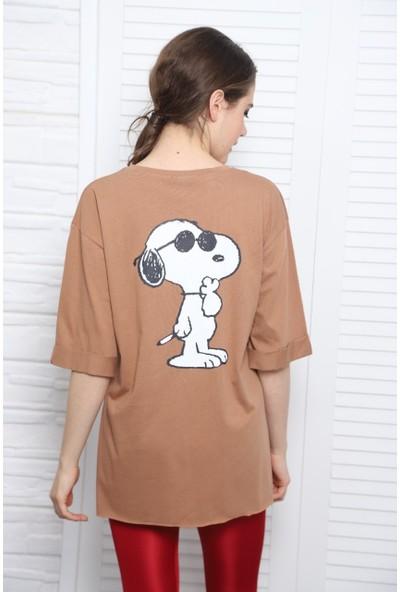 Latte Snoopy Baskılı Vizon Kadın Tişört