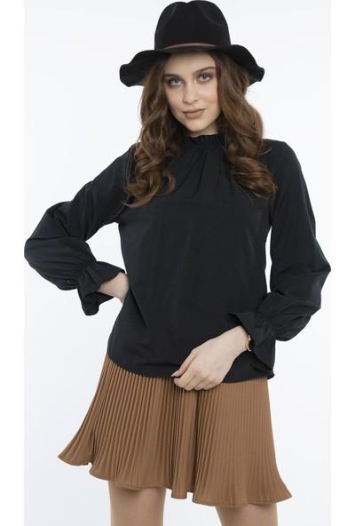 Hds Hadise Siyah Yakadan Büzgülü Detaylı Bluz 20840