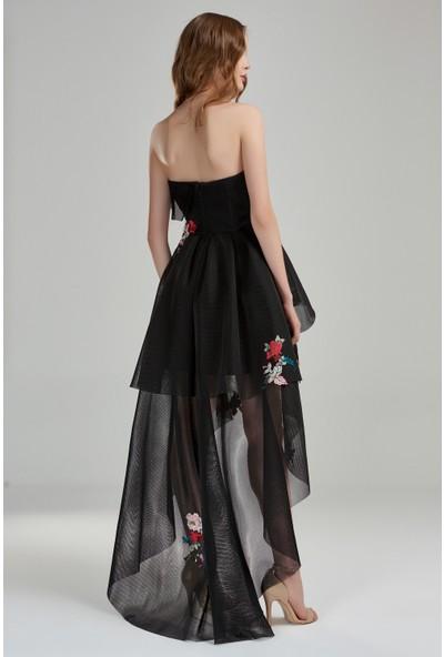 Beyaz Butik Siyah File Kumaş Asimetrik Etekli Kalp Yaka Nakış Çiçekli Abiye Elbise