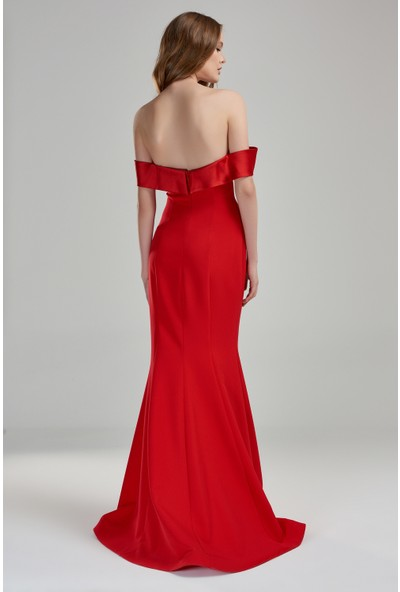 Beyaz Butik Kırmızı Düşük Omuz Kruvaze Yaka Krep Balık Abiye Elbise