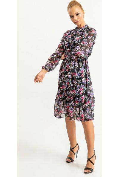 Foremia Kadın Yakasa Düğme Detaylı Çiçek Desen Elbise