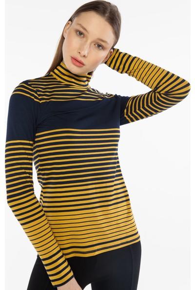 Yellowish Yakası Düğme Detaylı Body M