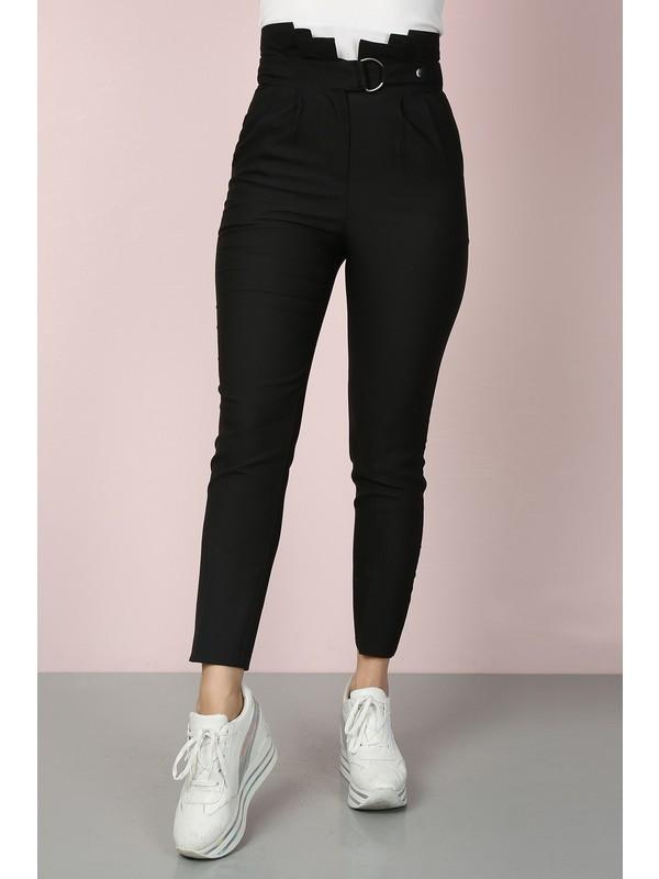 Chichero Kadın Siyah Havuç Pileli Kendinden Kemerli Kumaş Pantolon