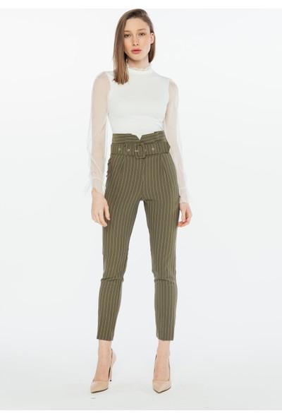 Yellowish Kadın Kolları ve Yakası Tül Detaylı Bluz