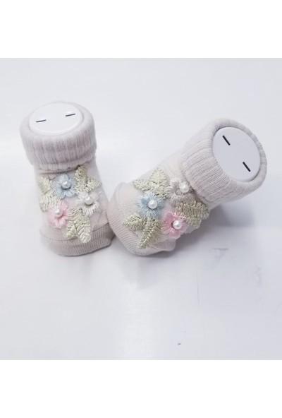 Bumbo Incili Aksesuarlı Bebek Çorap