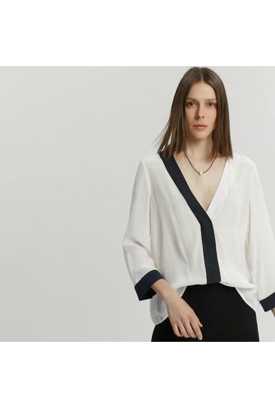 Yargıcı Kadın Kontrast Detaylı Gömlek