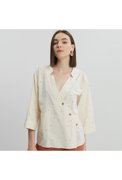 Yargıcı Kadın Kruvaze Düğme Detaylı Gömlek