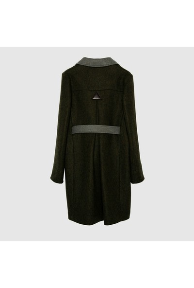 Yargıcı Kadın Kemer Detaylı Palto