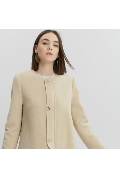 Yargıcı Kadın Bağlama Detaylı Uzun Palto