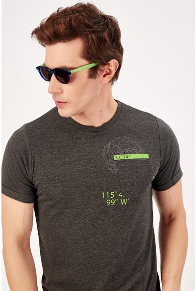 Manche Antrasit Erkek Cep Alti Baskılı T-Shirt Me20S214721