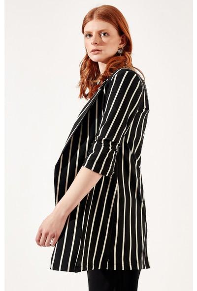 Manche Siyah-Beyaz Kadın Çizgili Ceket Mk20S359515