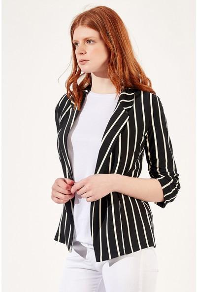 Manche Siyah-Beyaz Kadın Kalın Çizgi Ceket Mk20S355525
