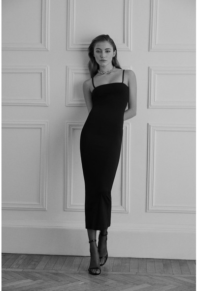 Aslıhan Doğan Turan For Armadio Design Dora Elbise