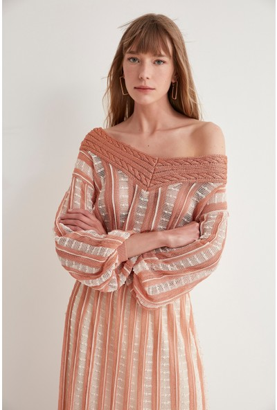 Join Us V Yaka Desenli Triko Elbise