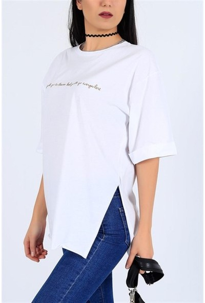 Latte Woman Baskılı Yırtmaçlı Salaş Beyaz Tişört