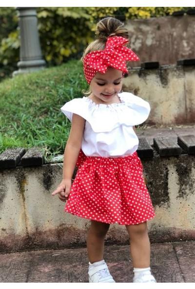 Özge Başaran Kırmızı Puanlı Etek Beyaz Bluz ve Fiyonklu Bandana