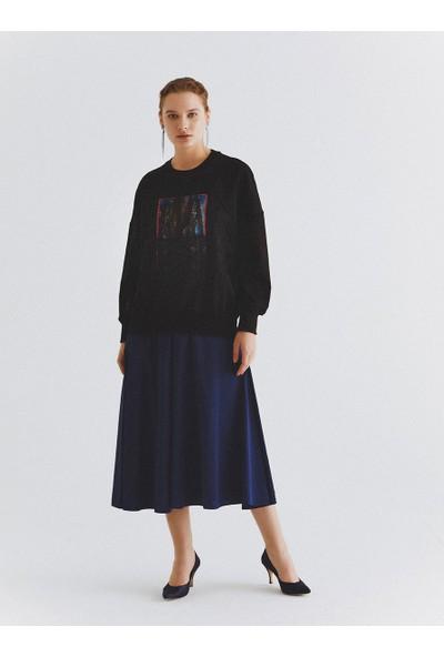 Roman Baskılı Ve Dantel Detaylı Siyah Sweatshirt-K2054102-089