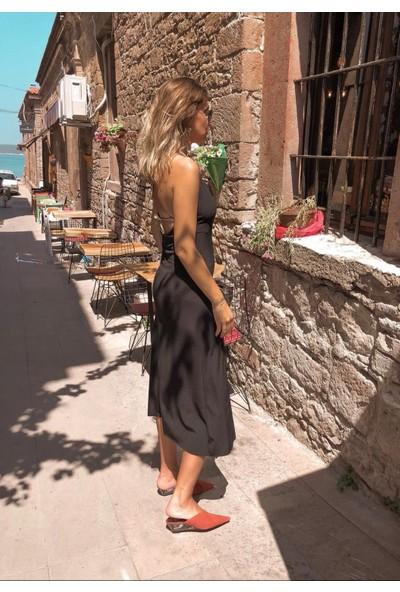 Moda Çelikler Siyah Yırtmaçlı Elbise