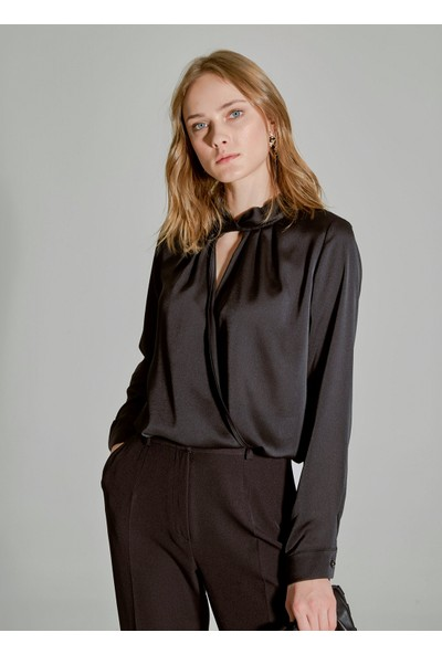 People By Fabrika Kadın Yaka Detaylı Saten Bluz