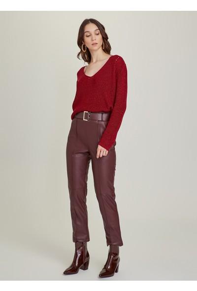 Ngstyle Kadın Suni Vegan Deri Kemerli Havuç Pantolon