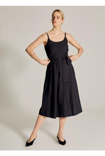 Ngstyle Kadın Suni Deri Kemer Askılı Elbise
