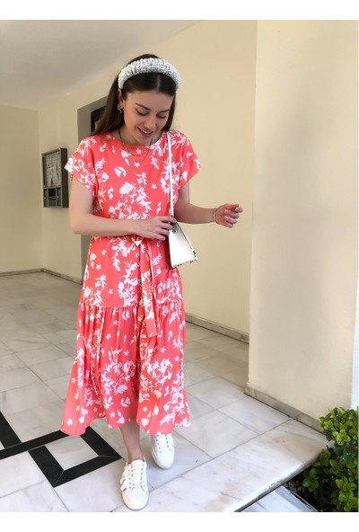 Ngstyle Kadın Çiçek Desenli Volanlı Elbise