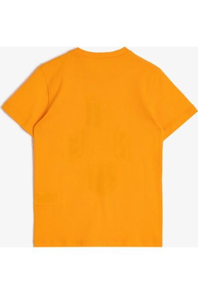 Koton Erkek Çocuk Slogan Baskılı Pamuklu Kısa Kollu Bisiklet Yaka T-Shirt