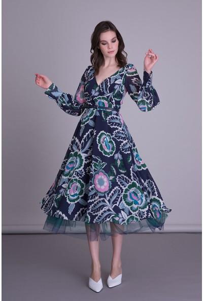 Gizia Çiçek Desenli Anvelop Kesim Lacivert Midi Elbise