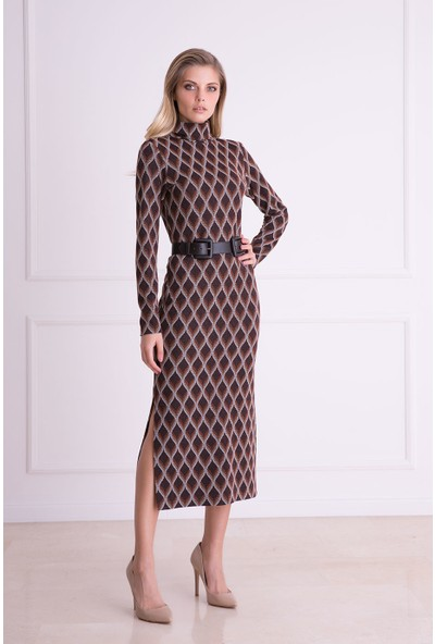Gizia Grafik Desenli Sırt Detaylı Kahverengi Midi Elbise