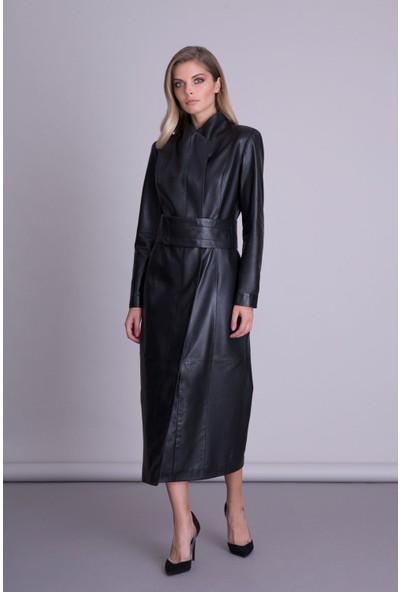 Gizia Kemer Detaylı Siyah Deri Elbise