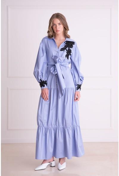 Gizia Nakış Detaylı Kuşaklı Mavi Uzun Elbise