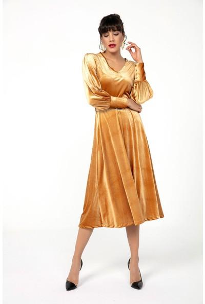 Zafoni Kemer Detaylı İnce Kadife Kadın Elbise