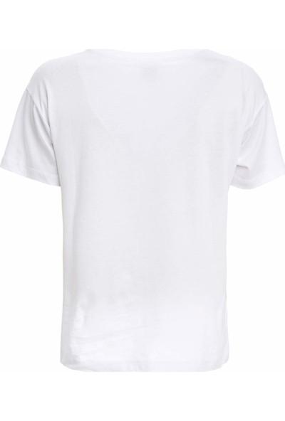 DeFacto Kadın Snoopy Lisanslı Kısa Kollu T-Shirt