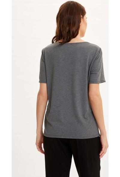 DeFacto Kadın V Yaka Kısa Kollu T-Shirt