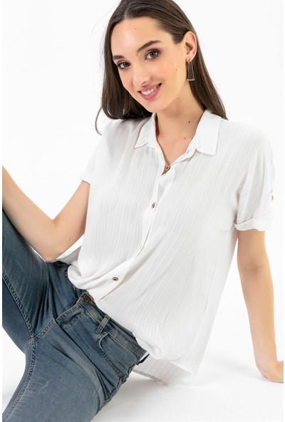 Liplipo Kadın Düşük Kol Jakarlı Gömlek