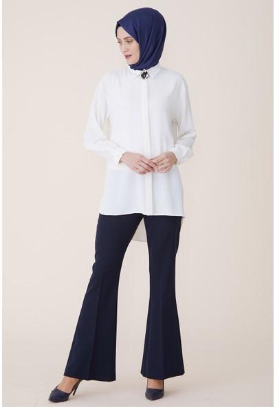Armine Broş Detaylı Bluz