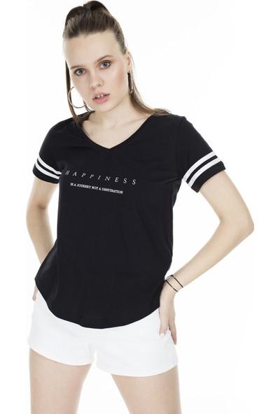 Lela Baskılı V Yaka Kadın T-Shirt