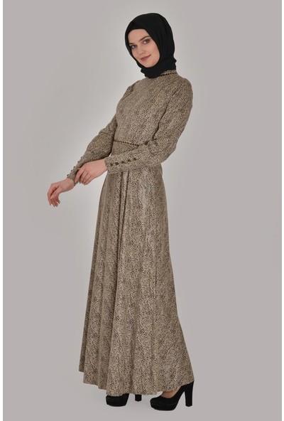 Devri Sultan Leopar Derili Yaka Ve Beli Zincir Detaylı Tesettür Abiye Bej Elbise