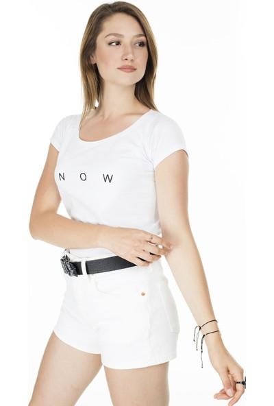 Lela Yazı Detaylı Havuz Yaka Kadın T-Shirt 5411011