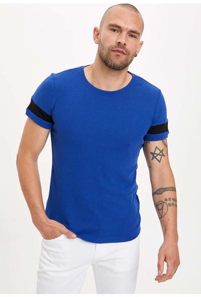 DeFacto Bisiklet Yaka Kısa Kollu Slim Fit T-Shirt