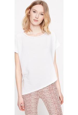 Koton Kadın Yaka Detaylı T-Shirt Beyaz