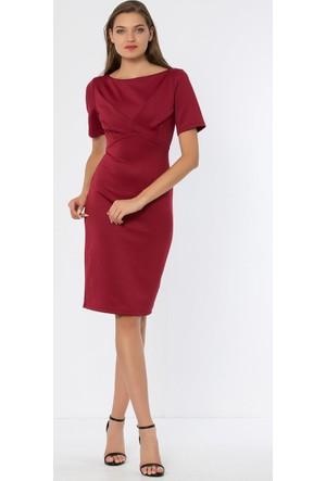 Heva Önü Modelli Arkası Fermuarlı Yırtmaçlı Yarım Kollu Elbise