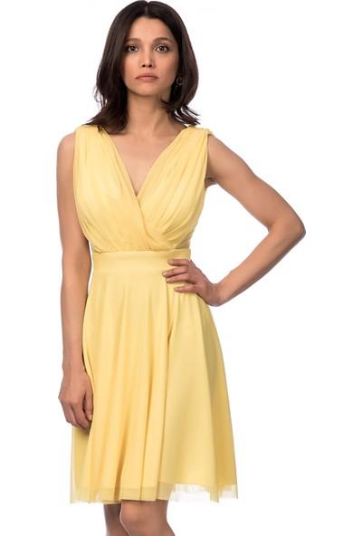 İroni Çapraz Askılı Dekolteli Kısa Sarı Abiye Elbise